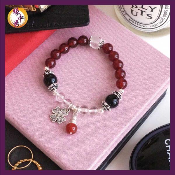 1. Yuan Zhong Siu Success Red Agate Pi Xiu Bracelet